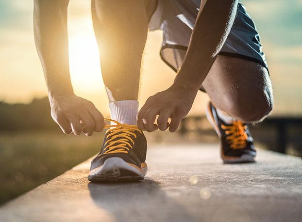 Čevlji za tek in hojo