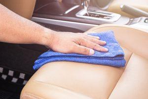 Čiščenje avtomobilskih sedežev